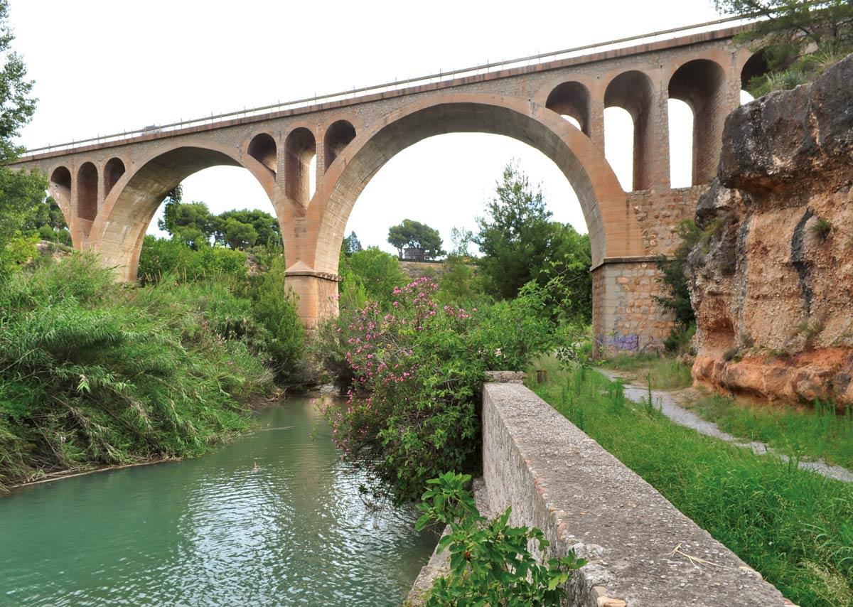 Puente sobre el rio Mijares (Vila-real)