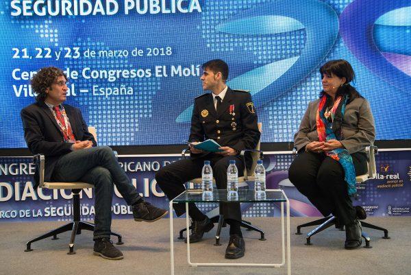 PANEL IV - Fotos del coloquio moderado con Pascual Benet García y Graciela Curuchelar