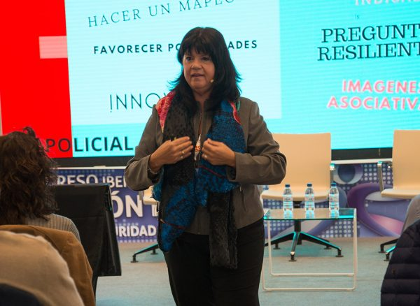 PANEL IV - Fotos de la conferencia de Graciela Curuchelar