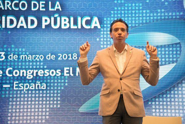 PANEL IV - Fotos de la conferencia de Espíritu González